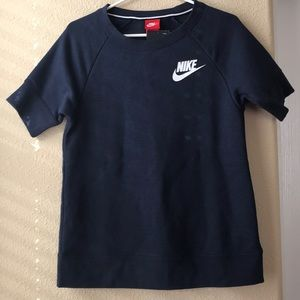 NIKE SPORTSWEAR SHORT SLEEVE SWEATER